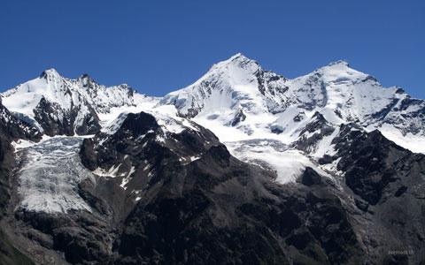 Mischabelgruppe: Hohbärghorn 4219m, Nadelhorn 4327m, Lenzspitze 4294, Dom 4545m, Täschhorn 4490m