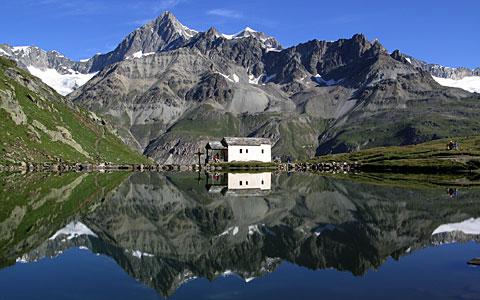 Schwarzsee mit Kapelle